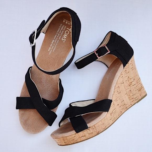 2756a6fc523 Toms Strappy Black Canvas Cork Wedge Sandals 8.5. M 5c394999fe5151b461039669